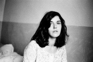 Lola Hakimian – L'échappée